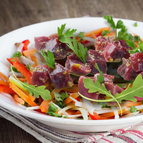 Céviche de thon à la coriandre, légumes crusés & Melfor Côté Sud